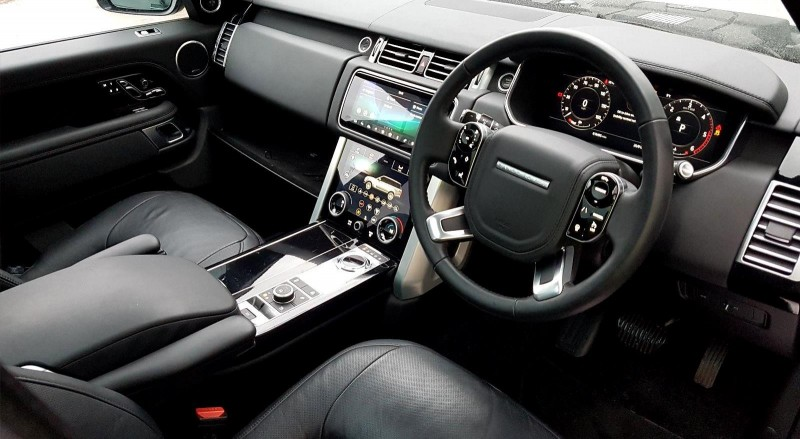 Interior of 2018 Land Rover Range Rover SDV8 VOGUE SE