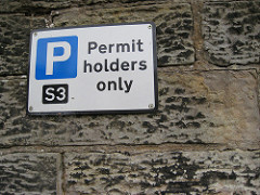 Sign says permit holders only. Photo by Edinburgh Greens (CC BY 2.0)